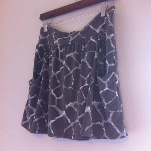Banana Republic Gray Mini Skirt w Pockets
